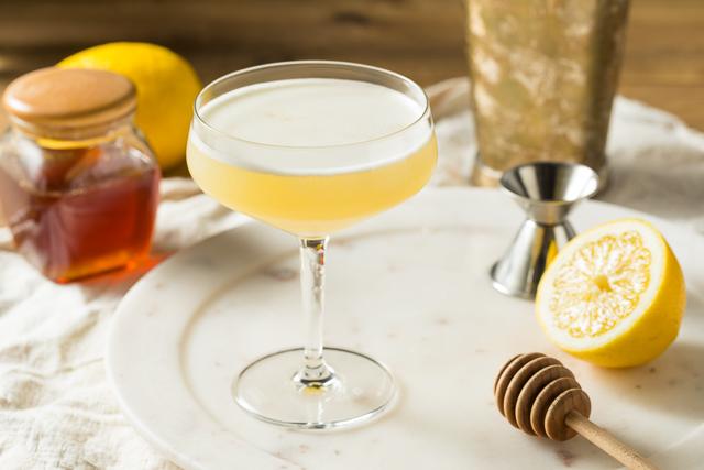 Honey adult beverage