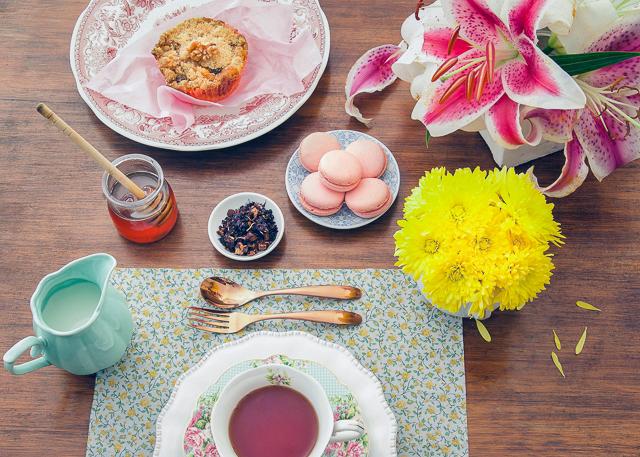 Bee Tea sample table